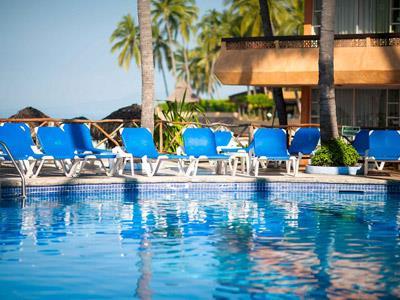 Hotel las palmas by the sea all for Piscina las palmas