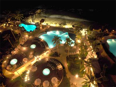 Jacuzzi and Pool - Night view