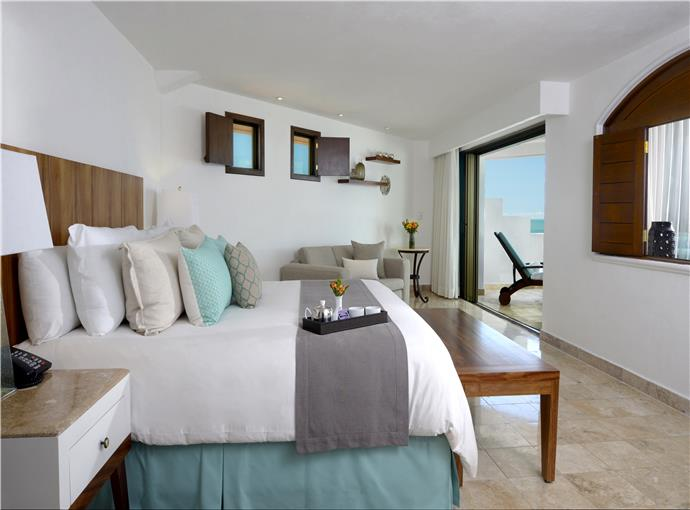 Master Suite Oceanfront w/ out-indoor Jacuzzi Wifi