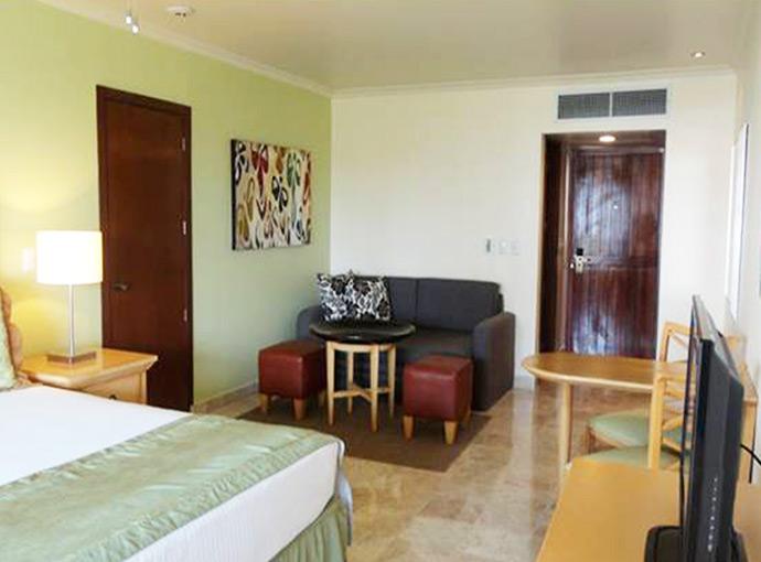 One Bedroom Premium Master Suite Garden View