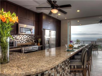 Two Bedroom Suite Ocean View - Kitchen