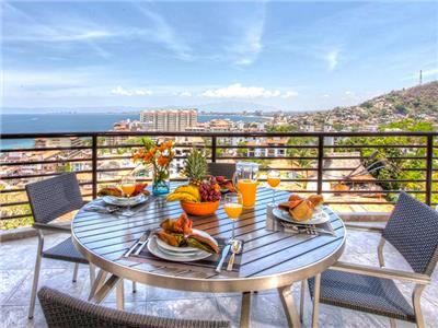 Two Bedroom Suite Ocean View - Terrace