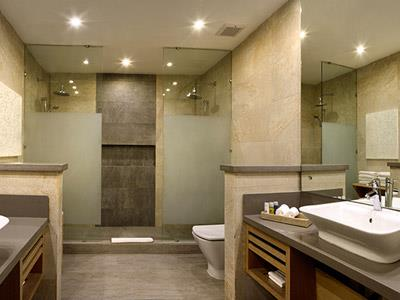 Privileged Deluxe Junior Suite - Bathroom