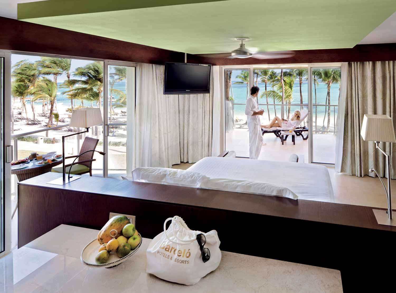 Panoramic Suite Deluxe Premium Club Non-Refundable)