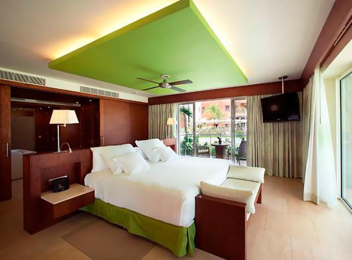 Suite Ocean Front View Club Premium Non Refundable)