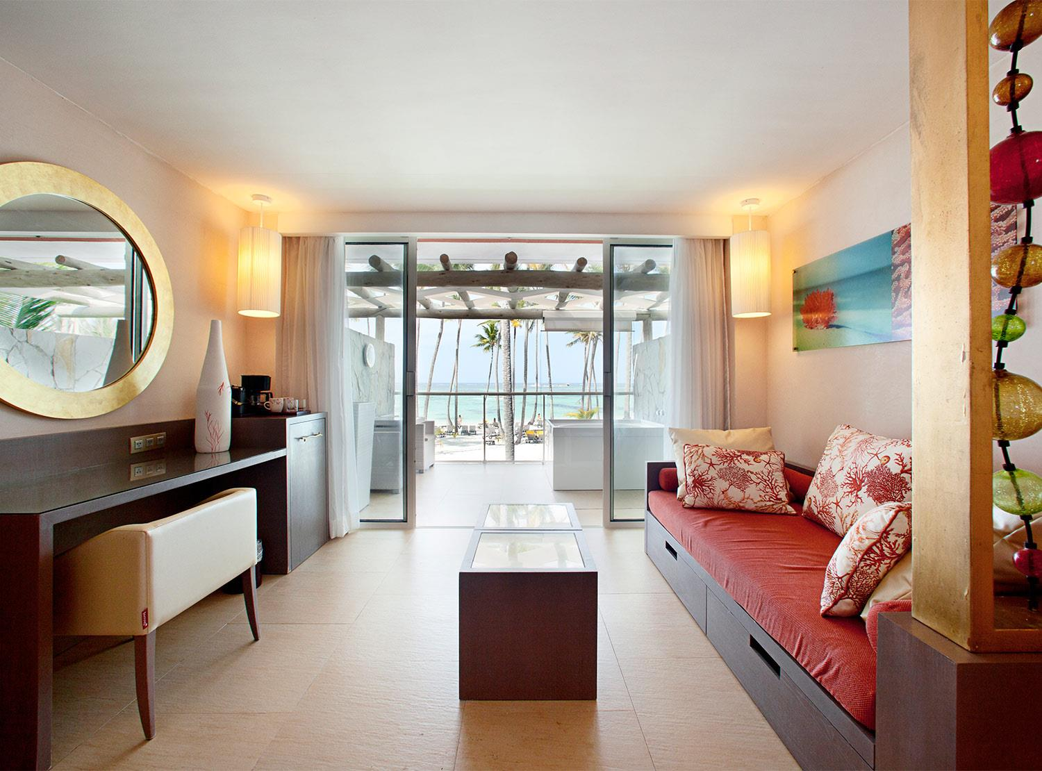 Junior Suite Oceanfront View Premium Level