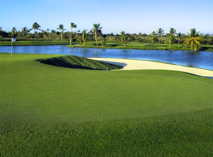 Puntacana-Barcelo-Bavaro-Ninth-Hole-Golf Barcelo Bavaro Beach Adults Only