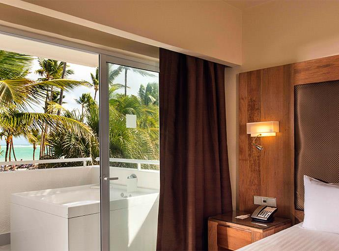 occidental-rep-dom-JRSTEOF-Jr-Suite-Ocean-Front Occidental Punta Cana