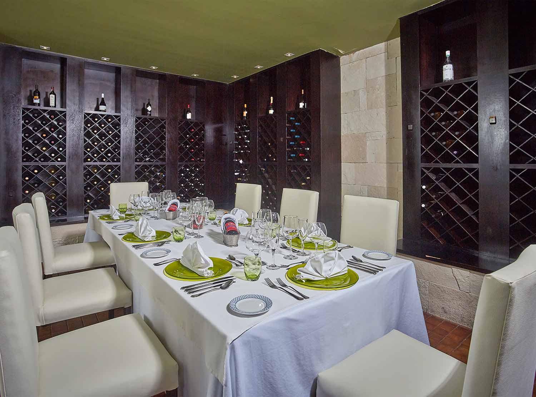 Los Olivos Restaurant)