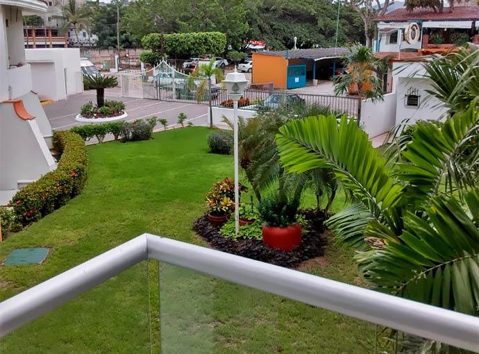 Studio Garden View