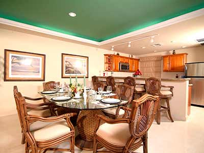 Suite's dining room