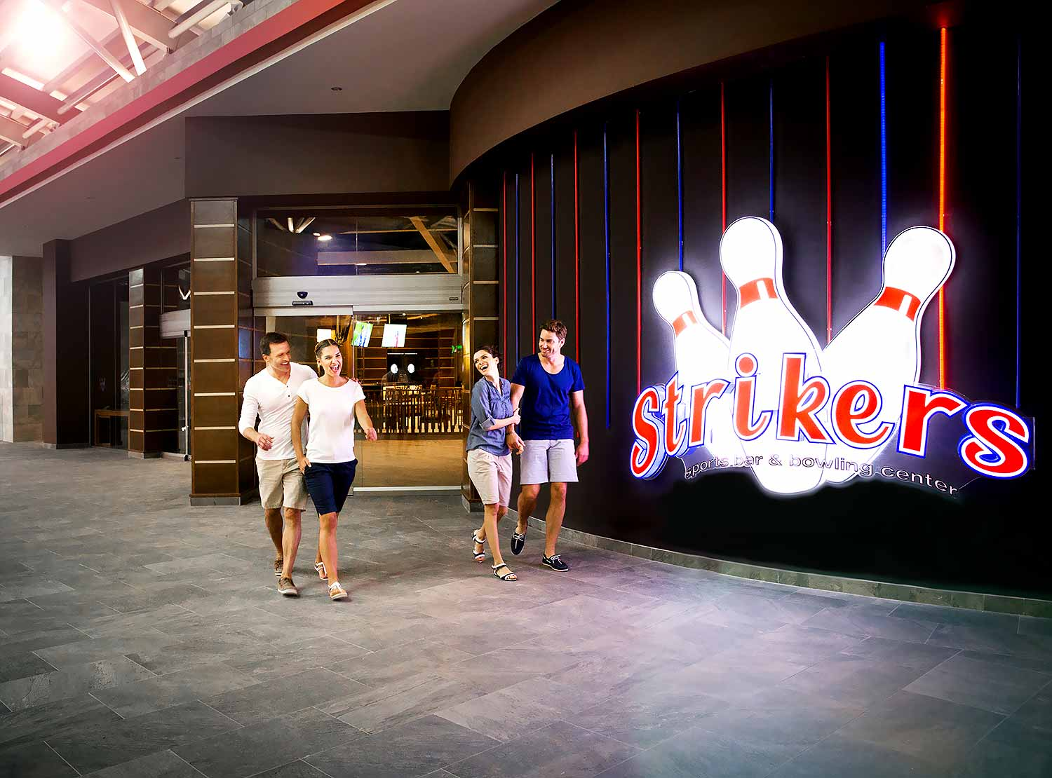 Strikers Sport Bar & Bowling Center)