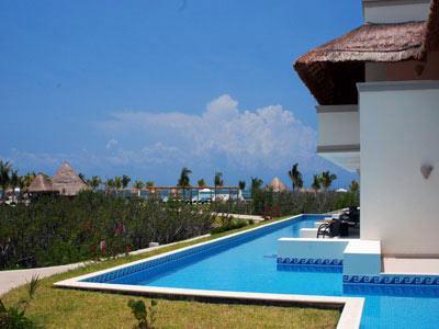 Fotograf as del hotel bluebay grand esmeralda for Blue bay grand esmeralda deluxe v jardin