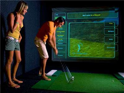 Bar - Sports Bar - Golf simulator