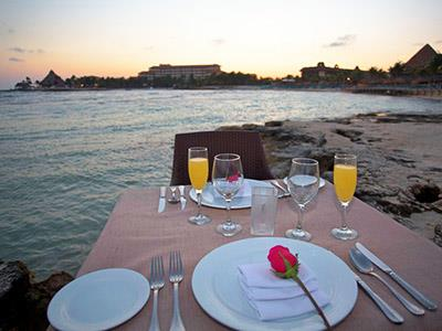 Romantic Dinner at the Beach