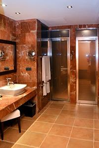 Privileged Suite - Bathroom