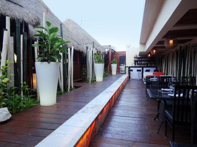 Gohan Sushi Lounge - Hallway