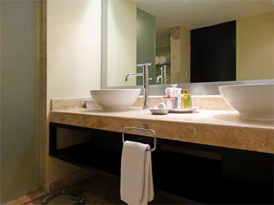 Preferred Club - Bathroom