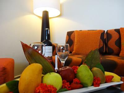 Preferred Club - Fruits and Wine