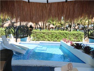 Honeymoon Private Pool Swim Up Casita Suite