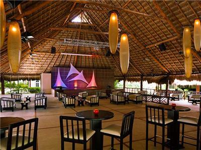 Bar Las Guacamayas - Teatro