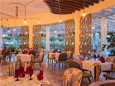 La Lola Restaurant