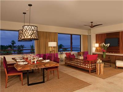 Presidential Suite King - Living and Dining Area