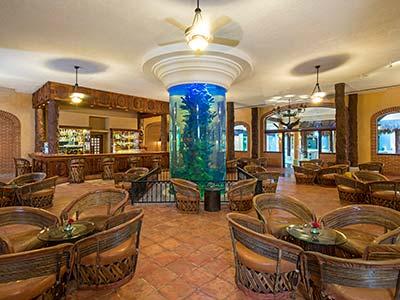 El Acuario Lobby Bar