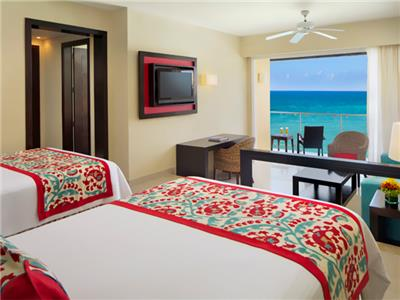 Junior Suite Frente al Mar Dos Camas Dobles