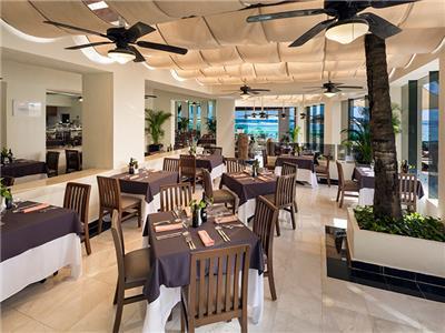 Restaurante Arrecifes Oasis Tulum Lite