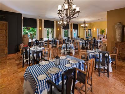 Restaurante Dos Lunas Oasis Tulum Lite