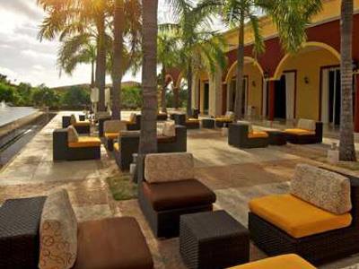 Pileta Lounge