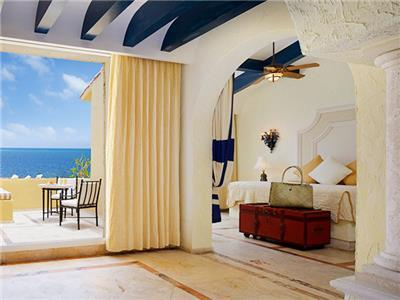 Romance Ocean Front Suite One Bedroom and Terrace