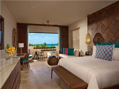 Preferred Club Junior Suite con Vista al Mar King