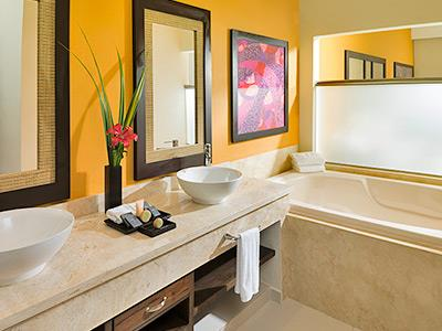 Premium Jacuzzi Junior Suite - Baño