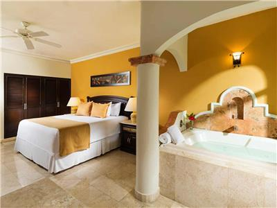 Luxury Jacuzzi Junior Suite