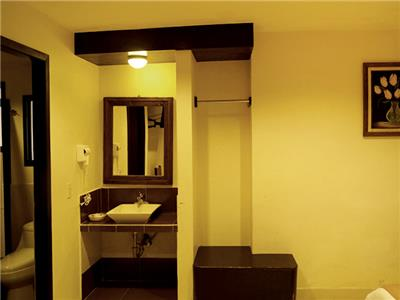 Standard King size - Bathroom