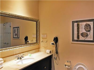 Junior Suite King - Bathroom