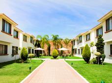 La Posada Hotel and Suites