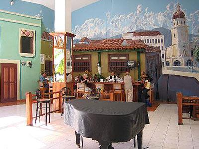 Bar Los Vitrales Brisas Sierra Mar