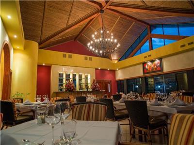 Restaurante a la Carta Occidental Tamarindo