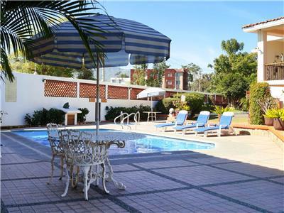 Fotograf as del hotel hotel las palomas for Follando en la piscina del hotel