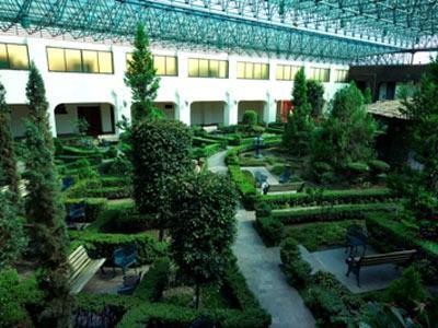 Fotograf as del hotel radisson hotel del rey toluca for Salon jardin villa charra toluca