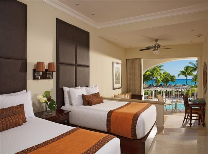 Preferred Club Junior Suite Ocean Front Double