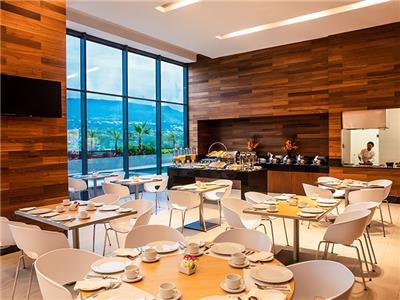 La Isla Restaurant