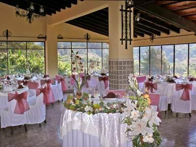 Fotograf as del hotel pie de la sierra for Salon los azulejos