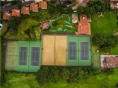 Tennis Court - Miniature Golf