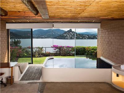 valle de bravo lesbian personals Explore valle de bravo holidays and discover the best time and places to visit |  with one of the loveliest colonial centers in central mexico, the pueblo mágico of .