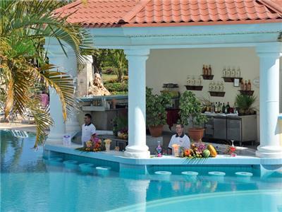 Bar de la Piscina Paradisus Princesa del Mar
