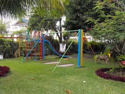 Área de Juegos Infantiles - Vista Alternativa